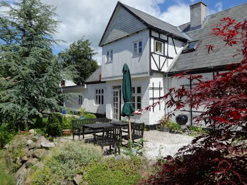 Skovlyst Bed and Breakfast Cover Picture