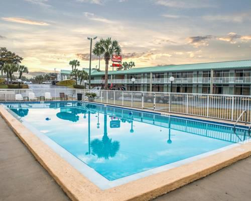 Econo Lodge Lake City North Cover Picture