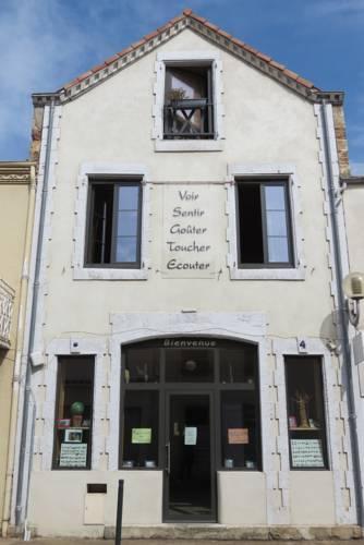 La Maison des Pélerins Cover Picture