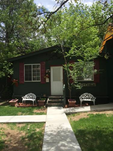 Apple Creek Cottages Cover Picture