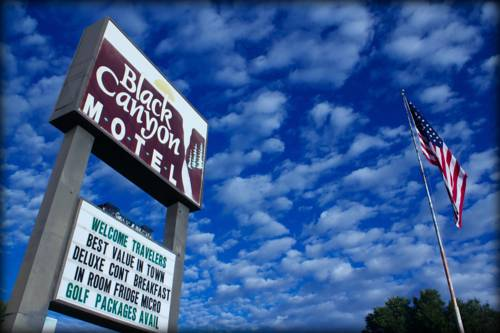 Black Canyon Motel Cover Picture