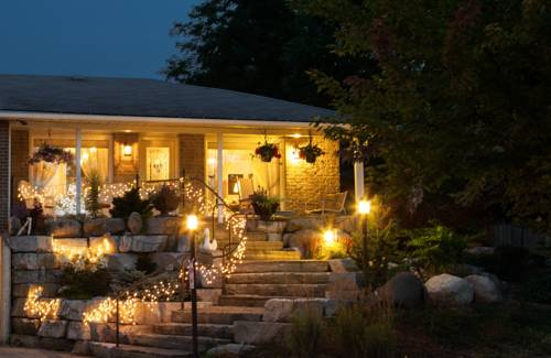 A Garden Stroll Bed & Breakfast Cover Picture