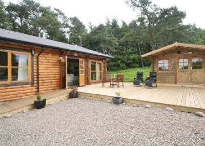 Ashknowe Log Cabin Cover Picture