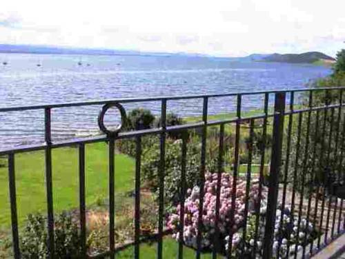 Water's Edge Luxury Bed & Breakfast Cover Picture