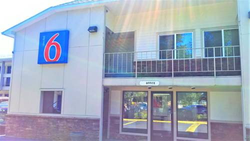Motel 6 McMinnville Cover Picture