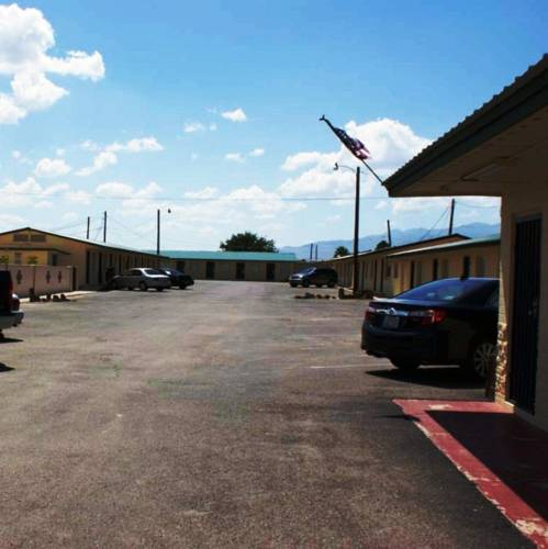 HWY Express Inn and Suites Cover Picture