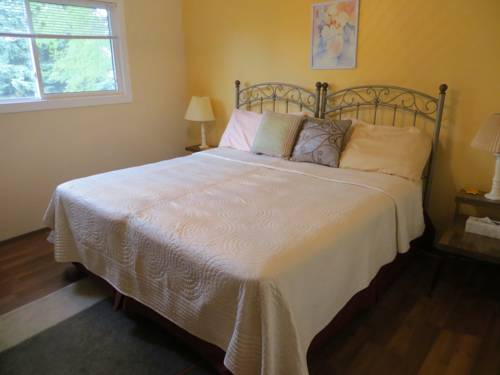 Wild Rose Bed & Breakfast Cover Picture