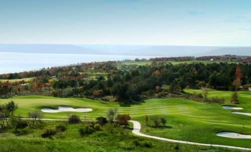 Golf Villa Cover Picture