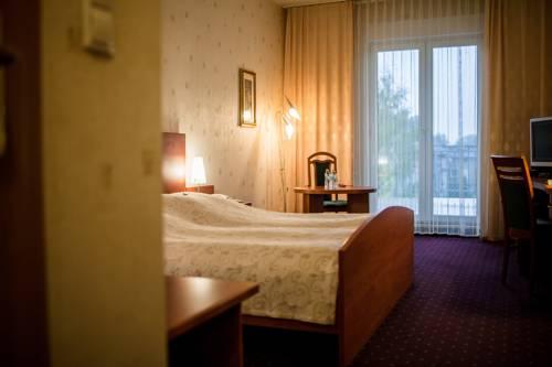 Hotel Sen Cover Picture