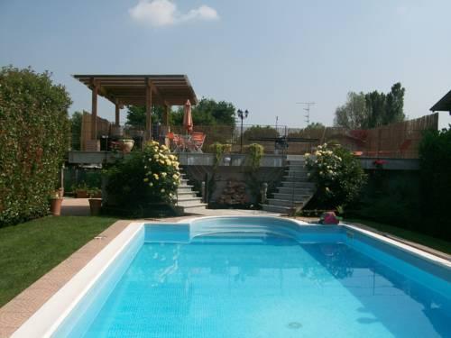 Villa Paradiso Cover Picture