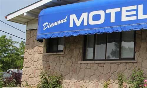 Diamond Motor Inn Cover Picture