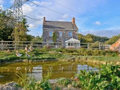 Dunley Farmhouse Cover Picture
