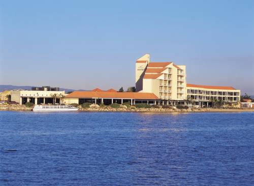 The Lakes Resort Hotel Cover Picture