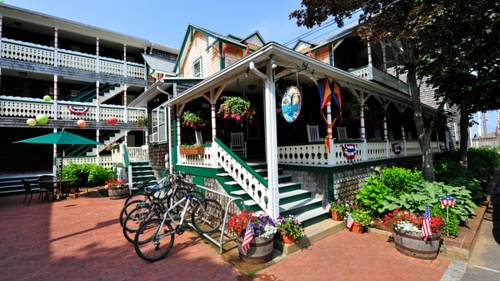 Pequot Hotel Cover Picture