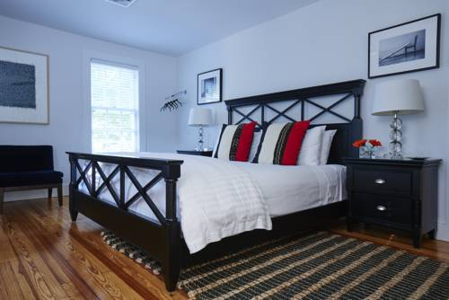 Seven - a boutique B&B on Shelter Island Cover Picture