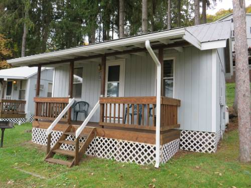 Bayside Inn & Marina- One Bedroom Cottage E Cover Picture
