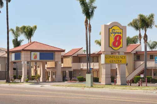 Super 8 Oceanside Cover Picture