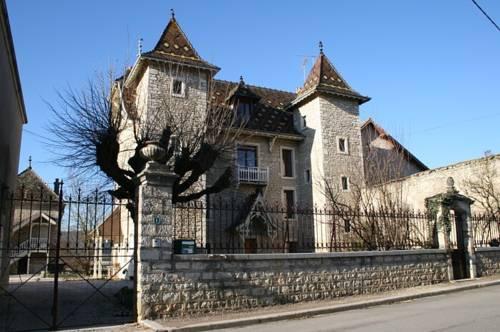 Le Castel Cover Picture