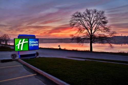 Holiday Inn Express Le Claire Riverfront-Davenport Cover Picture