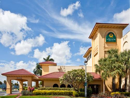 La Quinta Inn & Suites Fort Lauderdale Cypress Creek Cover Picture