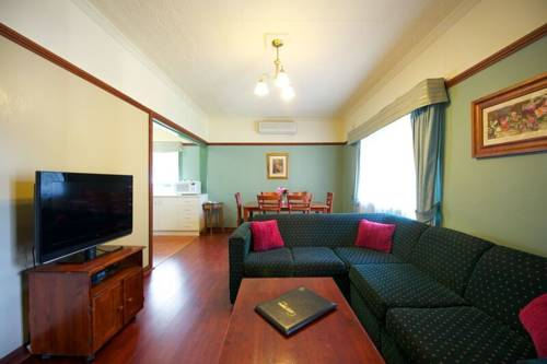 Lake Hume Resort Cover Picture