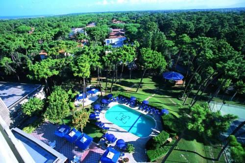 Grand Hotel Golf Cover Picture