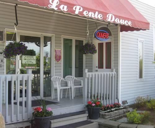 Motel de la Pente Douce Cover Picture