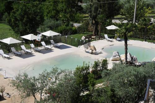 Hotel La Grotte Cover Picture