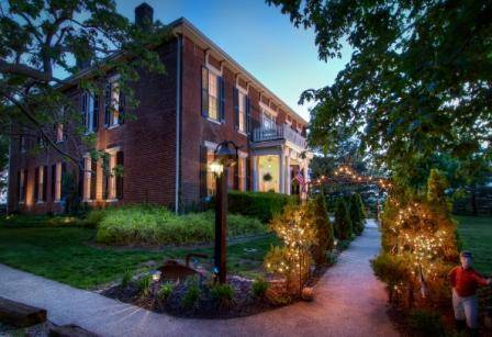Historic Maple Hill Manor Bed & Breakfast Cover Picture