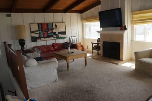 5 Bedroom Beachhouse in Ventura, CA Cover Picture