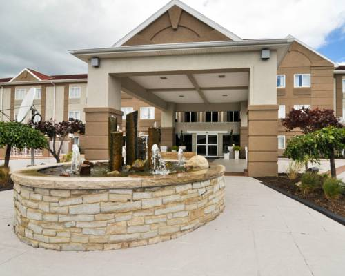 Holiday Inn Express Hotel & Suites Port Clinton-Catawba Island Cover Picture