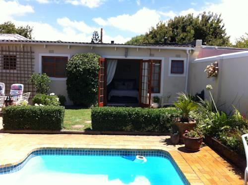Di's Cottage Cover Picture