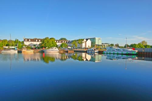 Hodson Bay Hotel Cover Picture