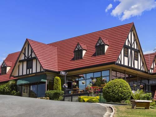 Village Family Motor Inn Cover Picture