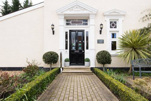 Villiers Lodge Hotel Cover Picture