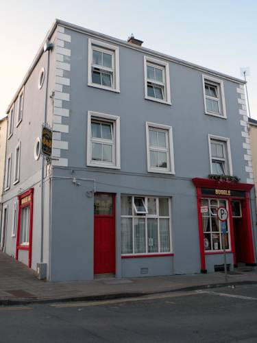 Buggle's Pub and Accommodation Cover Picture