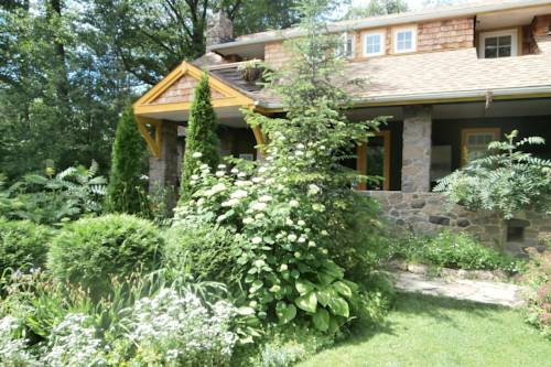 Whispering Pines Inn Bed and Breakfast Cover Picture