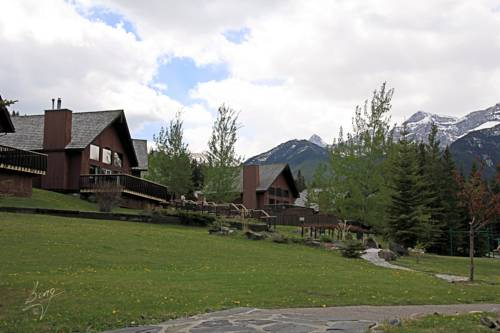 Banff Gate Mountain Resort Cover Picture