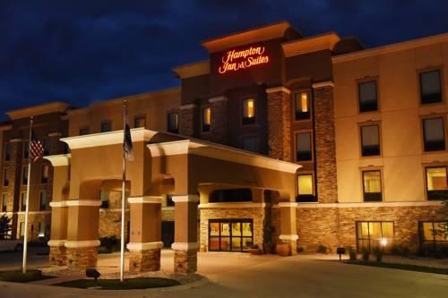 Hampton Inn & Suites Fargo Cover Picture