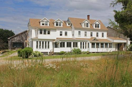 Lake Shore Farm Inn Cover Picture