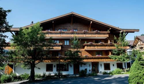 Garni Hotel des Alpes by Bruno Kernen Cover Picture
