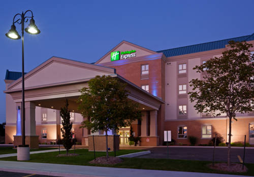 Holiday Inn Express and Suites Kincardine Cover Picture