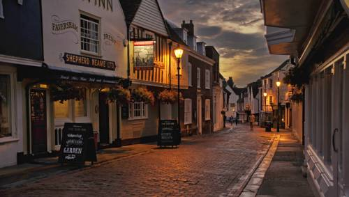 The Sun Inn Cover Picture