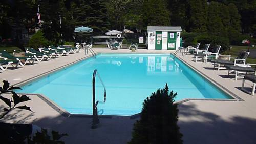Falmouth Heights Motor Lodge Cover Picture