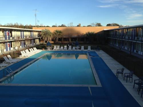 Motel 6 Leesville Cover Picture