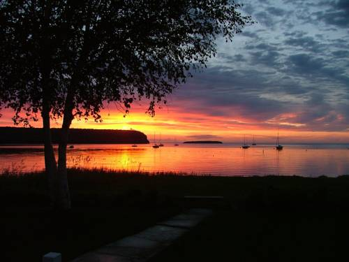 Edgewater Resort Cover Picture