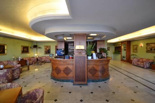 Sun Hotel Cover Picture