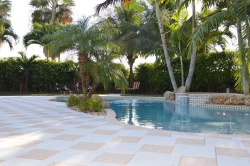 Pompano Beach Pool Home Cover Picture