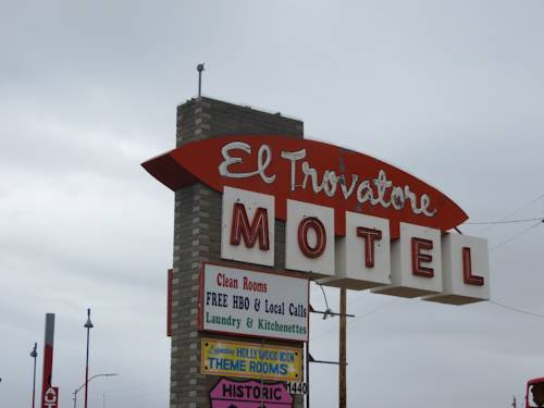 El Trovatore Motel Cover Picture
