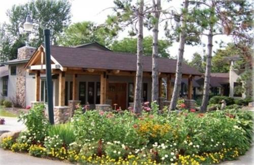 Riverwood Inn & Conference Center Cover Picture